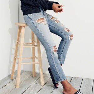 Hollister vintage distressed high rise Mom jeans